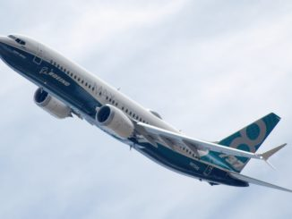 Boeing loses more 737 MAX orders, eyes US return but Europe tariffs loom